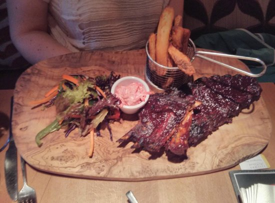 The Foresters Pub and Restuarant: Half rack of Babyback Ribs (£14.95, full rack extra £3)