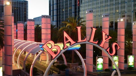 Bally's Las Vegas Hotel & Casino: Entrance to moving walkways