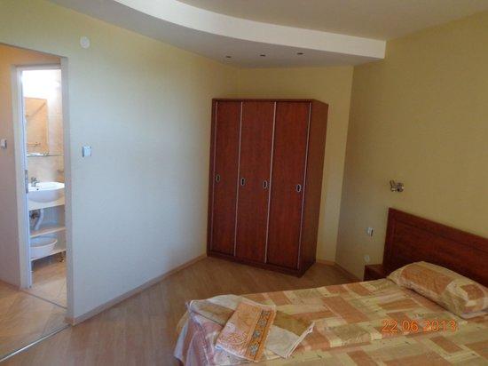 Hotel Paris: dormitory - room 29