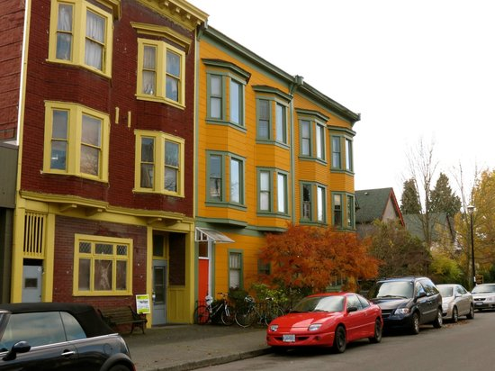 History Walks in Vancouver with James Johnstone - Private Tour: Strathcona apartments