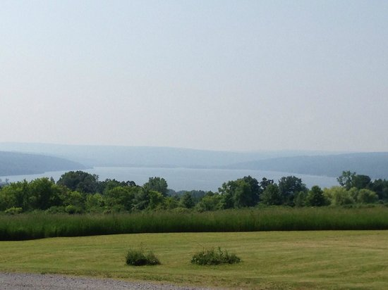 Cayuga Lake Front Inn: Another view from the driveway.