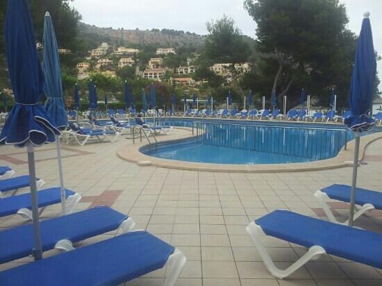Universal Hotel Laguna: Piscine