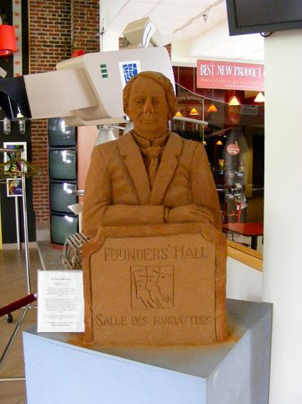 Founders' Hall CLOSED and FOR SALE: Sandstone sculpture of John A. MacDonald