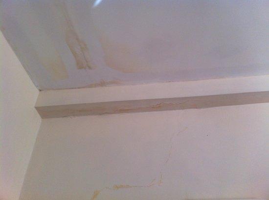 Gwesty Glan Aber Hotel: Bedroom ceiling