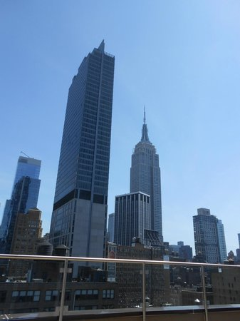 Fairfield Inn & Suites New York Manhattan/Chelsea: Empire State and more from roof top of hotel