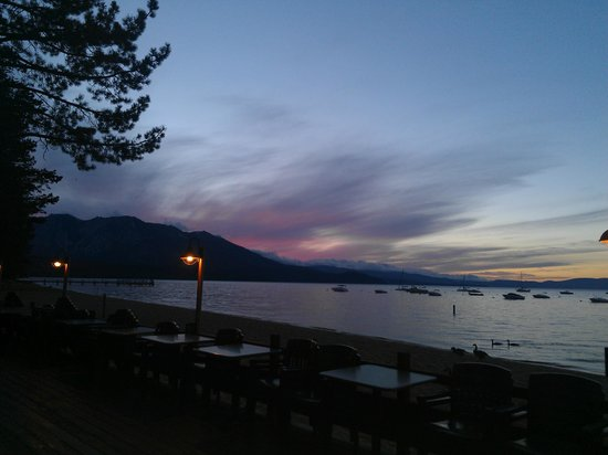 The Beacon Bar & Grill: Beautiful Sunset in May
