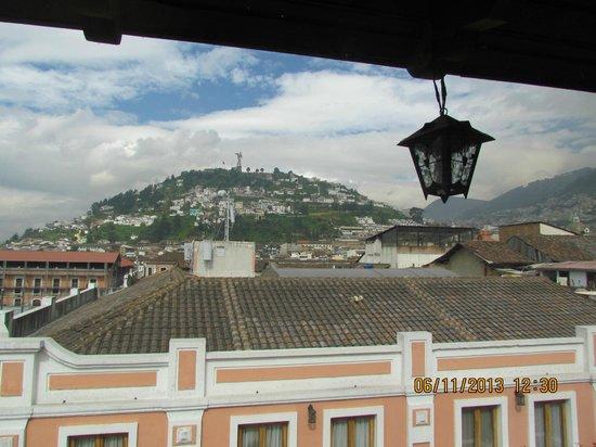 Hotel Real Audiencia : Vista desde el restaurant de El Panecillo