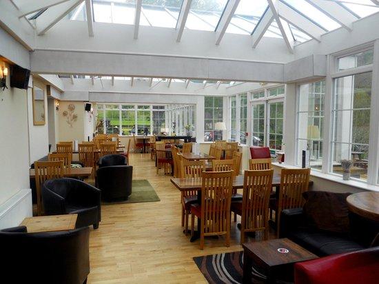 Killin Hotel: Conservatory/Dining Area (24.5.13)