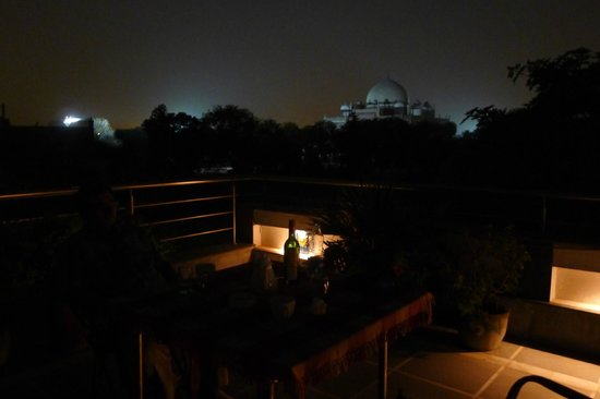 B Nineteen (B-19) Bed & Breakfast: View from roof top, Humayun's Tomb in the background
