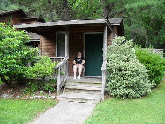 The Cabins at Brookside: Cabin #4, cute and cozy