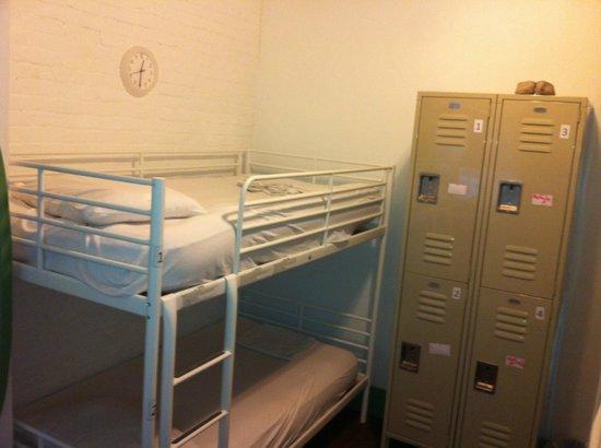 Friend Street Hostel: Dorm Bed