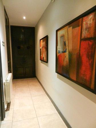 ELLA Hostel Barcelona: hallways