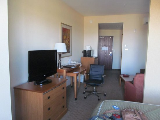 Comfort Suites Prescott Valley: desk/tv area