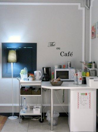 ELLA Hostel Barcelona: tea/coffee area