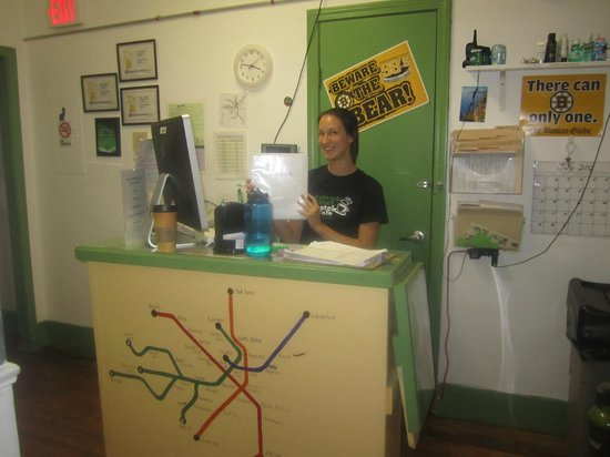 Friend Street Hostel : Reception