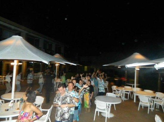 Holiday Inn Suva: Court yard fun