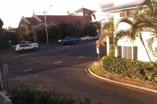 Albert Court Motel: 4 lane freeway of love