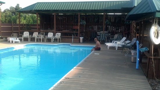 Duck Creek RV Park : Pool Paradise