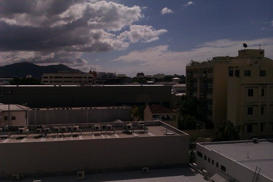 Rydges Plaza Cairns: outlook