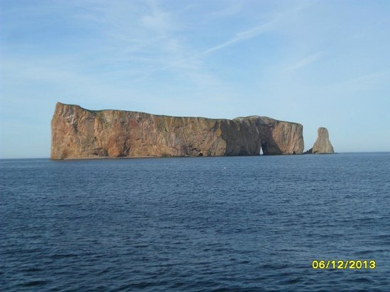 Pierced Rock (Rocher-Percé): Vista Lateral de la roca