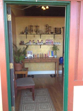 Malama Healing Arts Center: The reception area