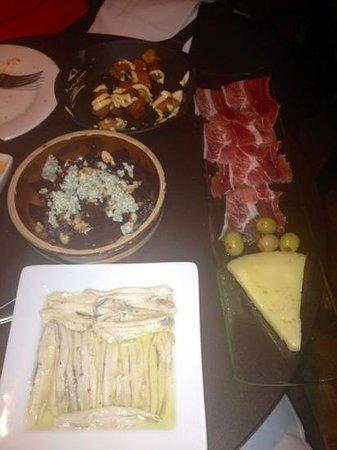 Embrujo Flamenco : Sardines and potatoes