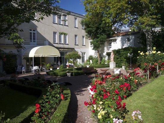 Best Western Champlain France Angleterre : Garden