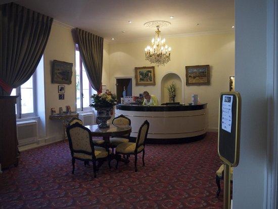 Best Western Champlain France Angleterre: Reception area