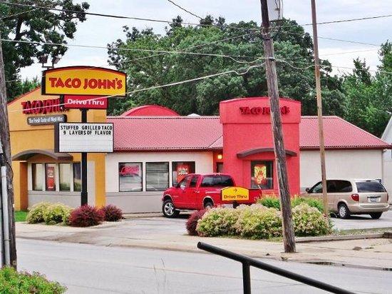 ชาร์ลส์ซิตี, ไอโอวา: Taco John's, as seen from across the street.