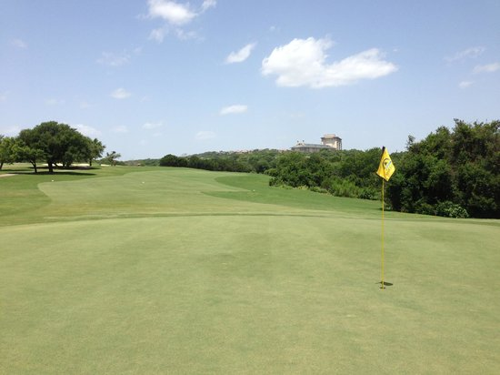 Omni Barton Creek Resort & Spa: View to hotel from #1 Crenshaw Cliffside