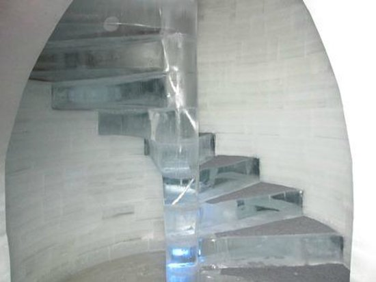 Chena Hot Springs Resort: Spiral staircase at the Chena Springs Ice Museum