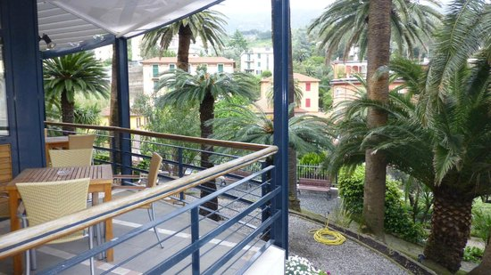 Hotel Villa Adriana: Verandah area