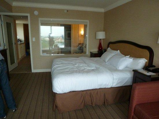 Corner Suite Room 3150 Picture Of Hilton Niagara Falls Fallsview Hotel Suites Niagara Falls