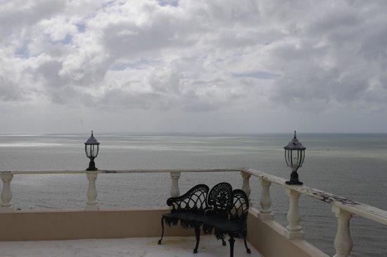 A Villa Gail: A balcony sitting area