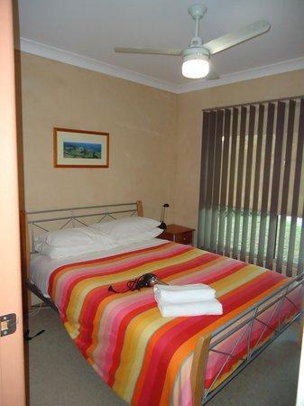 Banksia Park Cottages: Main Bedroom