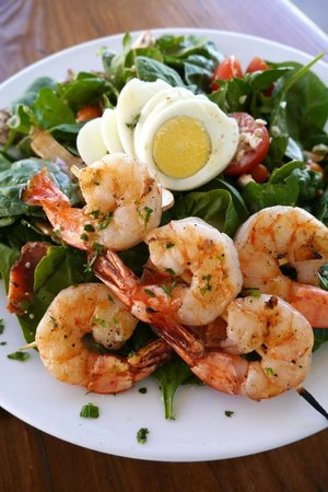 29 Palms Inn: Spinach Salad with Shrimp