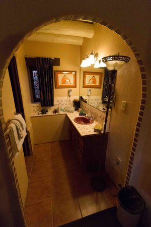Sagebrush Inn & Suites: Sink Area
