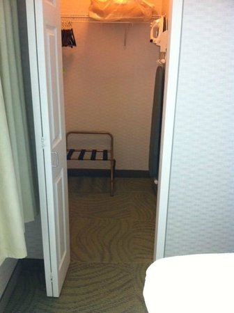 SpringHill Suites Billings: Large walk-in closet