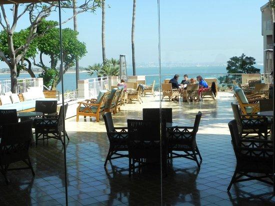 Loews Coronado Bay Resort: lounge area