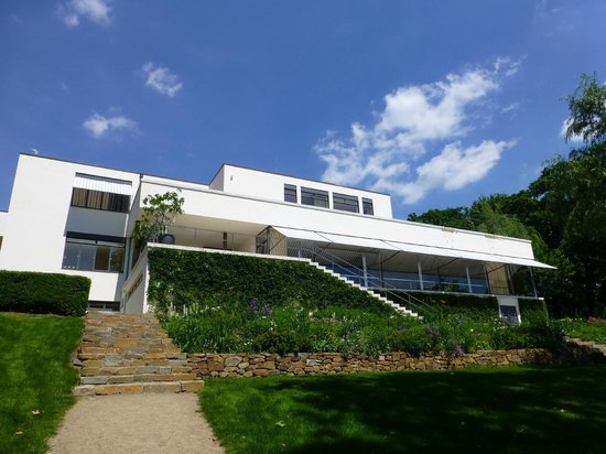Villa Tugendhat: view from the garden