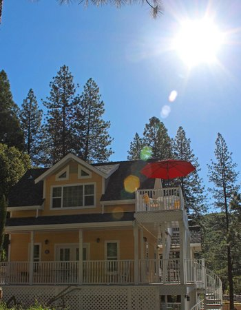 Blackberry Inn at Yosemite: New Building