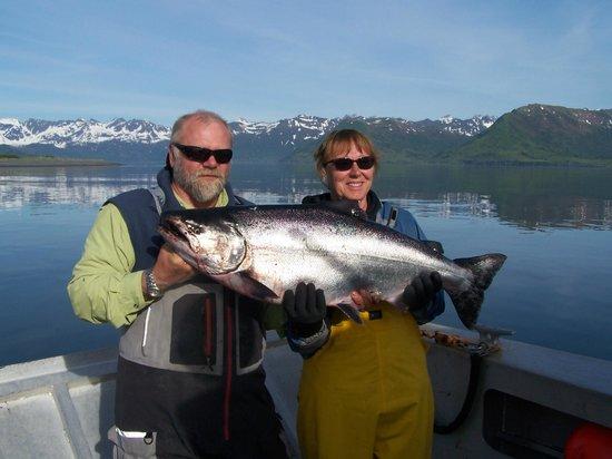 Kodiak Adventures Lodge - Larry Carroll: Darla with her 40 pound White King