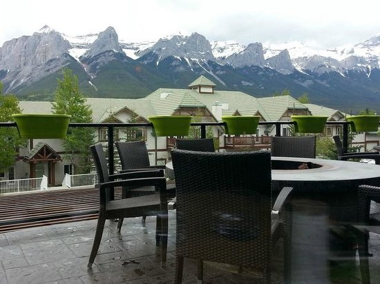 Wild Orchid Bistro & Sushi Lounge: Wild Orchid - Stunning Mountain View
