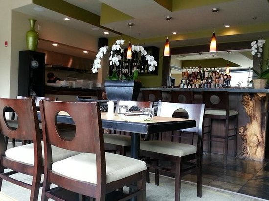 Wild Orchid Bistro & Sushi Lounge: Wild Orchid in Canmore