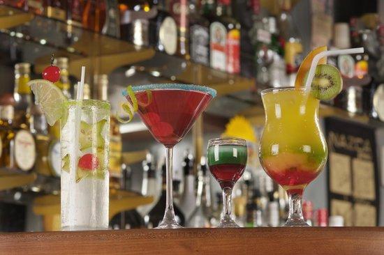 Bar & Restaurante Nazca: Variedad en cocteleria.