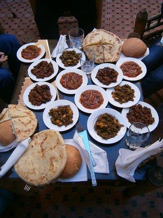 Riad Alnais : repas sur conseil du Riad