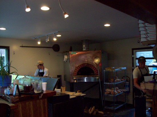 Fresh Wood Fired Pizza and Pasta: Inside