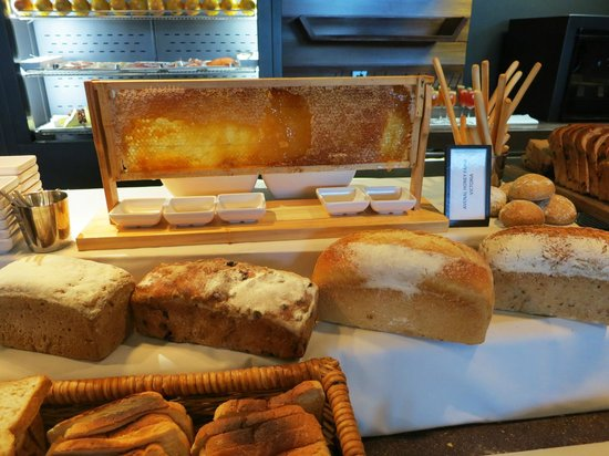 Pan Pacific Melbourne: Breakfast buffet
