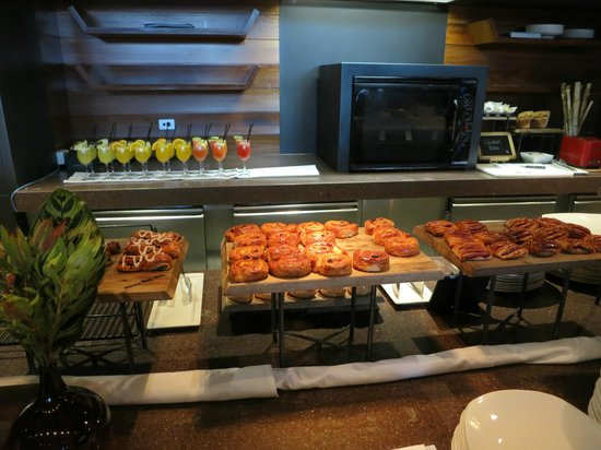 Hilton Melbourne South Wharf: Breakfast buffet