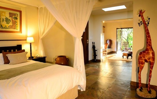 Sabi Sabi Bush Lodge: Bush Lodge Standard Suite